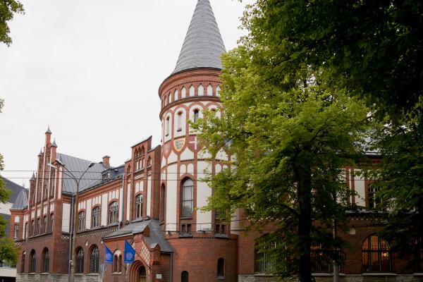 Eesti Panga ökonomisti sõnul aitavad nõrgenenud euro valuutakursid Eesti majandust
